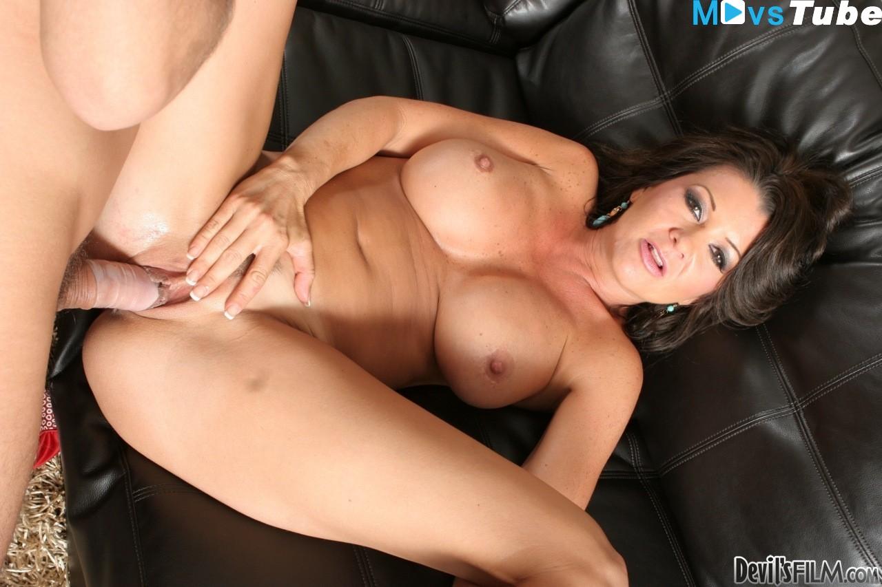 Raquel Devine Porn Pics